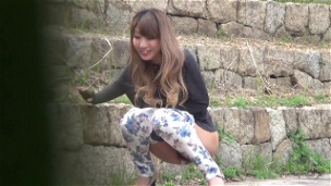 Adorable Asian Babes Pissing
